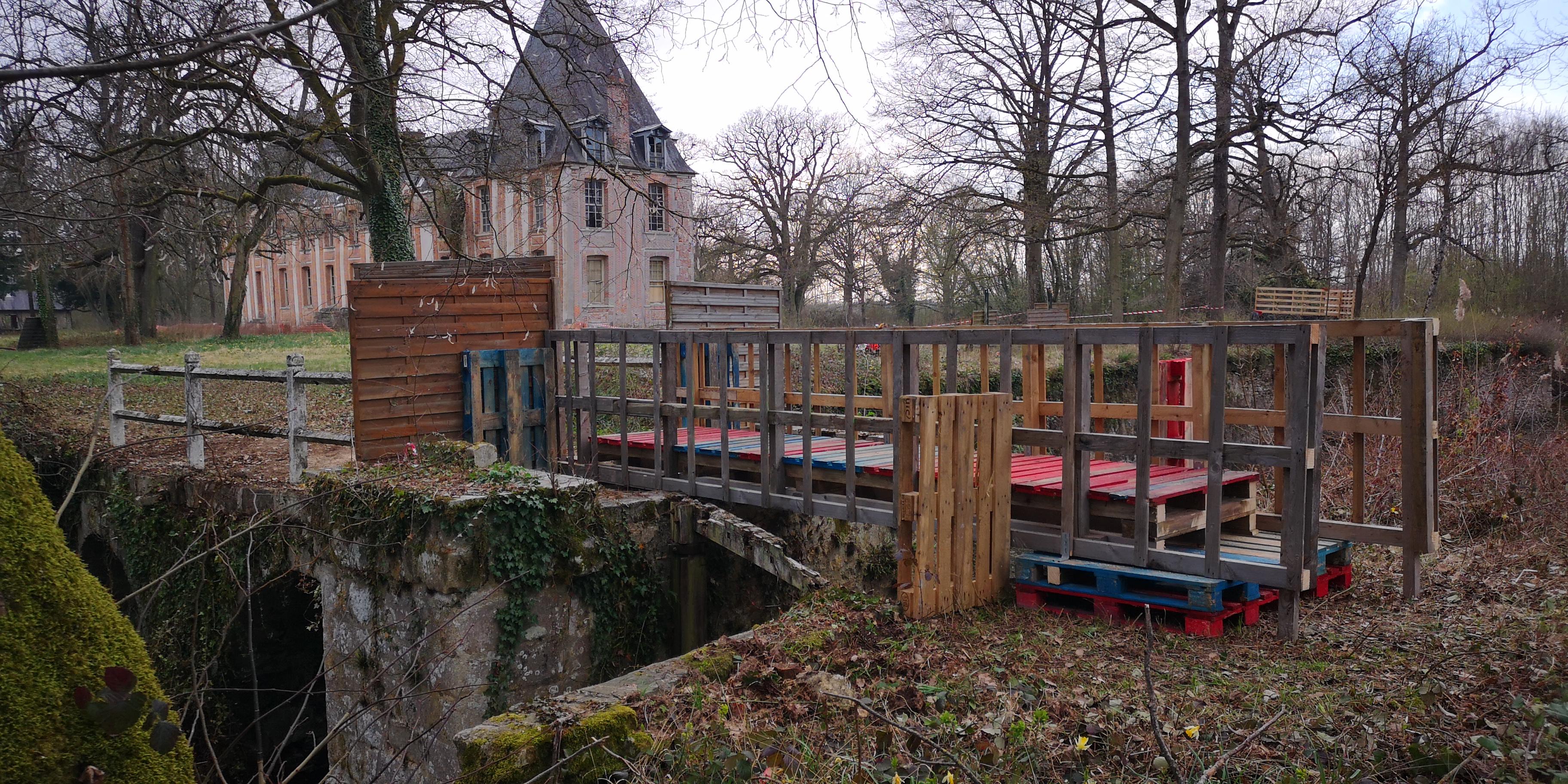 Pont arrière Cour du Château