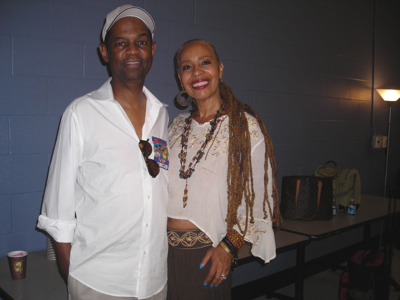 Dorie & Earl Klugh (Back stage - Jackson's Concert, Chastain PK)