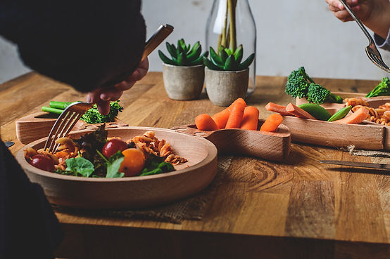 MadeInB-Wooden-Rabbit-Ears-Plate-WoodLif