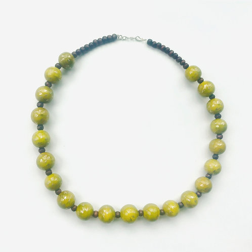 Handmade Wooden Necklace - Green