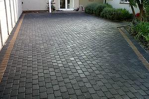 driveway-charcoal-cobble-paving-001-9768