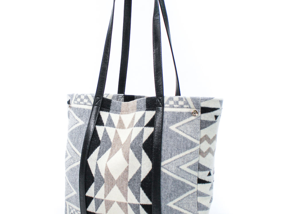 PAULINA CARRY ALL TOTE