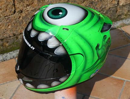 Aerografia caschi, hjc, verniciatura, helmet design, grafiche personalizzate, studio grafico fox race design