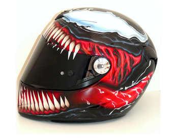 Aerografia caschi, venom, verniciatura, helmet design, grafiche personalizzate, studio grafico fox race design
