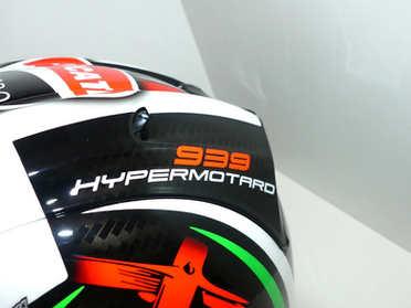 Aerografia caschi, ducati, arai, verniciatura, helmet design, grafiche personalizzate, studio grafico fox race design