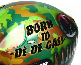 Aerografia caschi, full metal jacket, verniciatura, helmet design, grafiche personalizzate, studio grafico fox race design