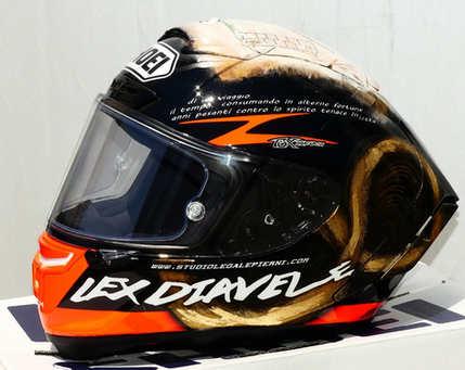 Aerografia caschi, shoei, verniciatura, helmet design, grafiche personalizzate, studio grafico fox race design