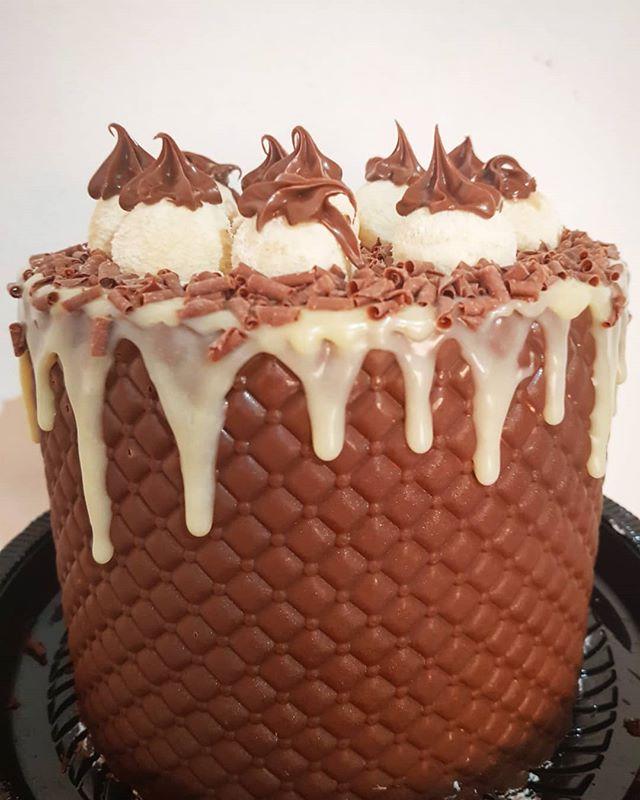 Saindo mais um dressed cake