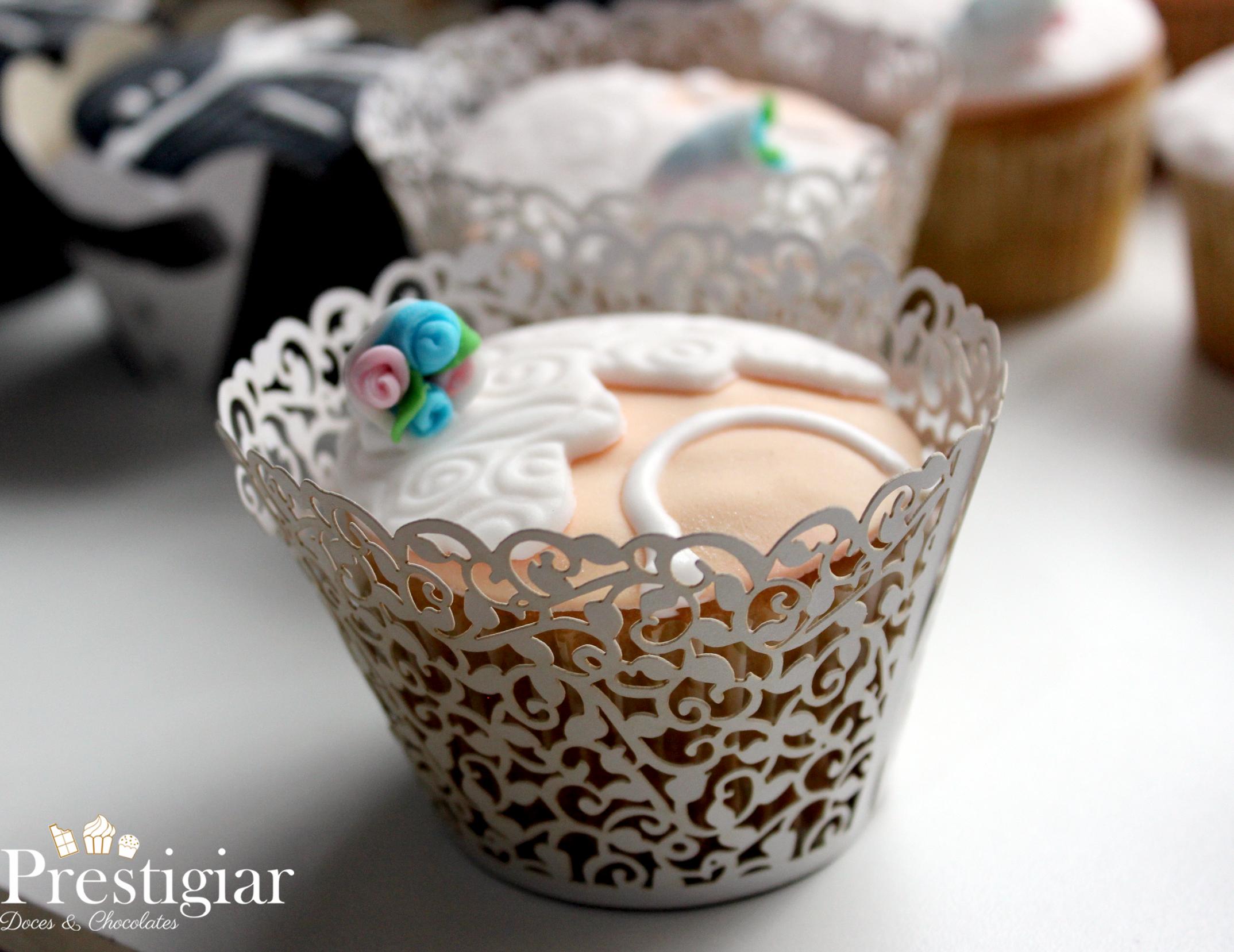 Casamento Gabi - cupcake noivinha