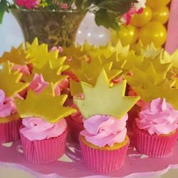 Mini cupcakes para o Reino da Princesa Luna #Prestigiar #cupcakes #coroa #princesa #queen #princess