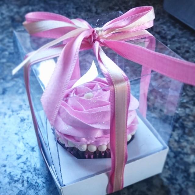Cupcakes na caixinha de acetato para lembrancinha #Prestigiar #cupcakes #lembrancinha #lembranças #r
