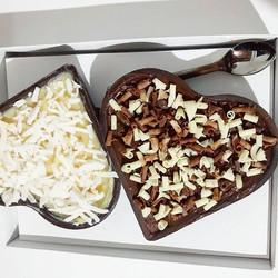 💕💑😍E teve casal se presenteando hoje!  Coração duplo recheio de creme de coco e chocolate com ave
