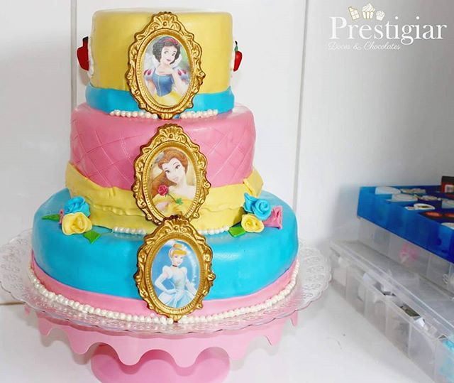 👠👑👸🍎🌹 A princesa Manu comemorou mais um ano de vida com uma linda festa das princesas