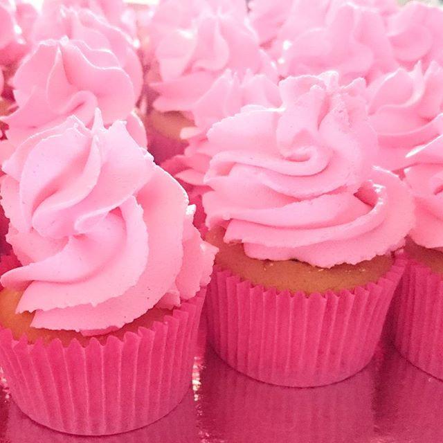 Mini cupcakes para festa da pequena Marcela #Prestigiar #minicupcakes