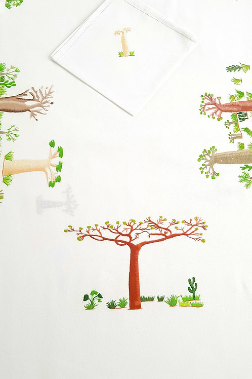 """Nappe brodée """"Baobabs"""" 12 couverts"""