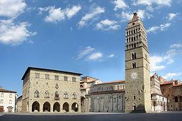 ARTSCRAFTS-Pistoia-piazza-Duomo-giorno.j