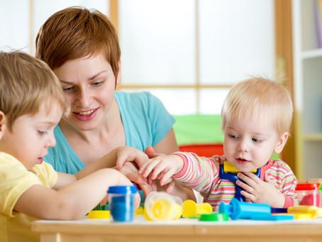 Apprentissages à la maison pour les enfants de 2 à 4 ans