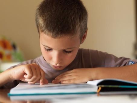 Comment aider son enfant à lire : les méthodes d'apprentissage de la lecture