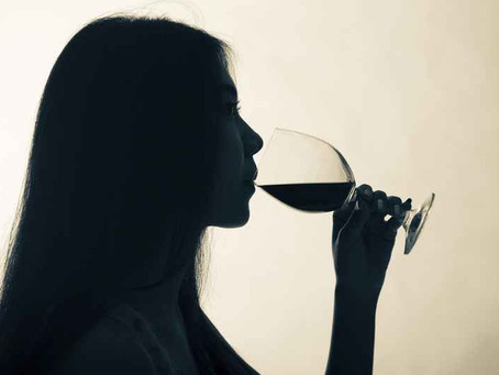 Faut-il s'inquiéter de consommer plus d'alcool en période de confinement ?