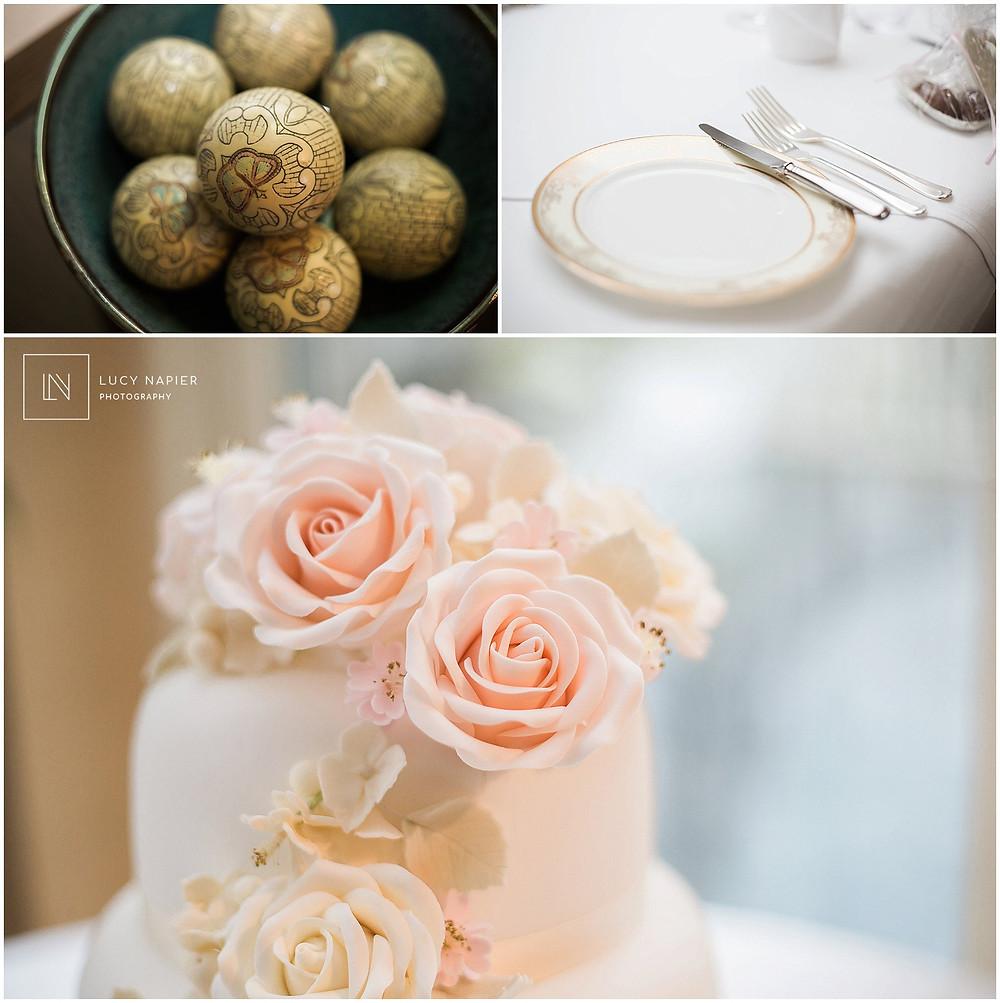 Beautiful sugar roses on the wedding cake