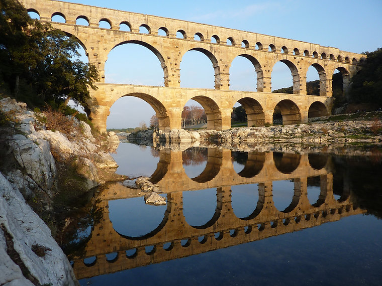 Pont du Gard www.educanin30.com