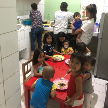 lunch-time-kids-nursery-lp4y-payatas-phi