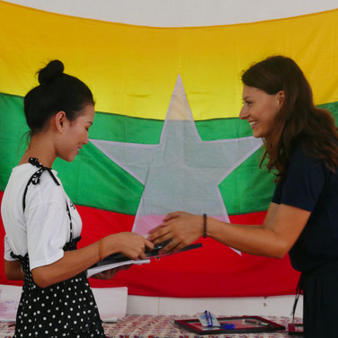 graduation-youth-volunteer-lp4y-yangon-m
