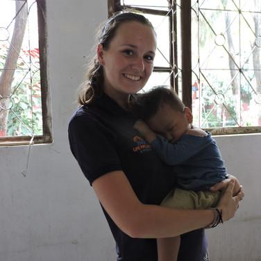 baby-volunteer-lp4y-nursery-kathmandu-ne