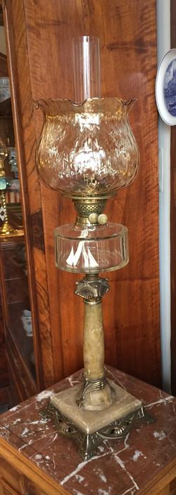 Secesyjna lampa naftowa