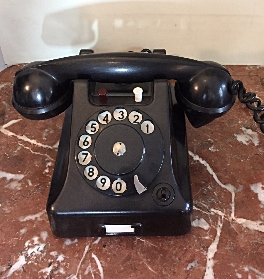 Telefon bakielitowy