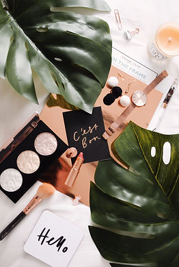 guide-to-the-perfect-flatlay-1440x2144.j