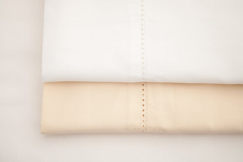 Image showing both colourways in Carnaby Hemstitch