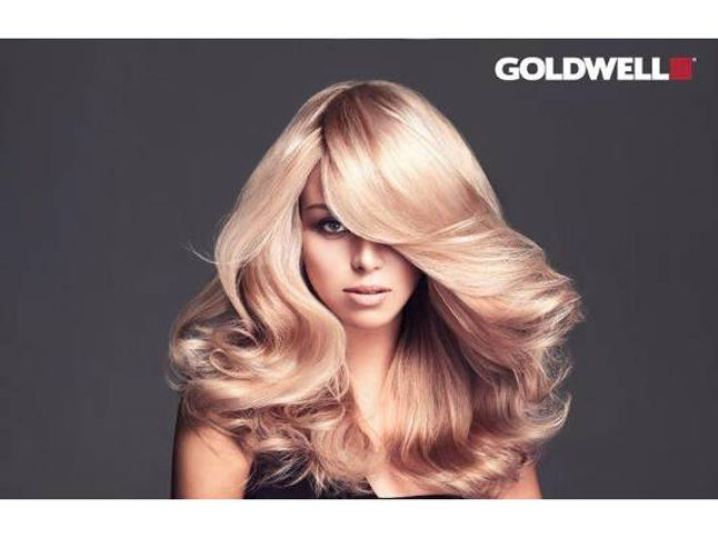 Costa Mesa Hair Salon, Hair color, Haircut, Style, Smoothing Treatment, Manicure, Pedicure, Highlights, blonde, ombre, Haircut,