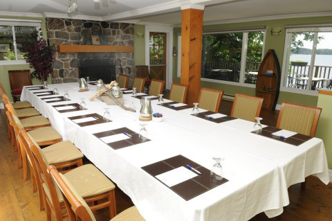 Algonquin Boardroom (Mobile).JPG