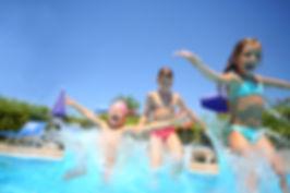muskoka-resorts-pool-familes.jpg