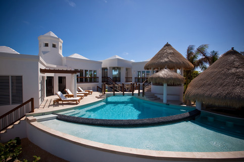 Turtle_BreTurtle Breeze Villa in Turks & Caicoseze_Exteriors_042.jpg