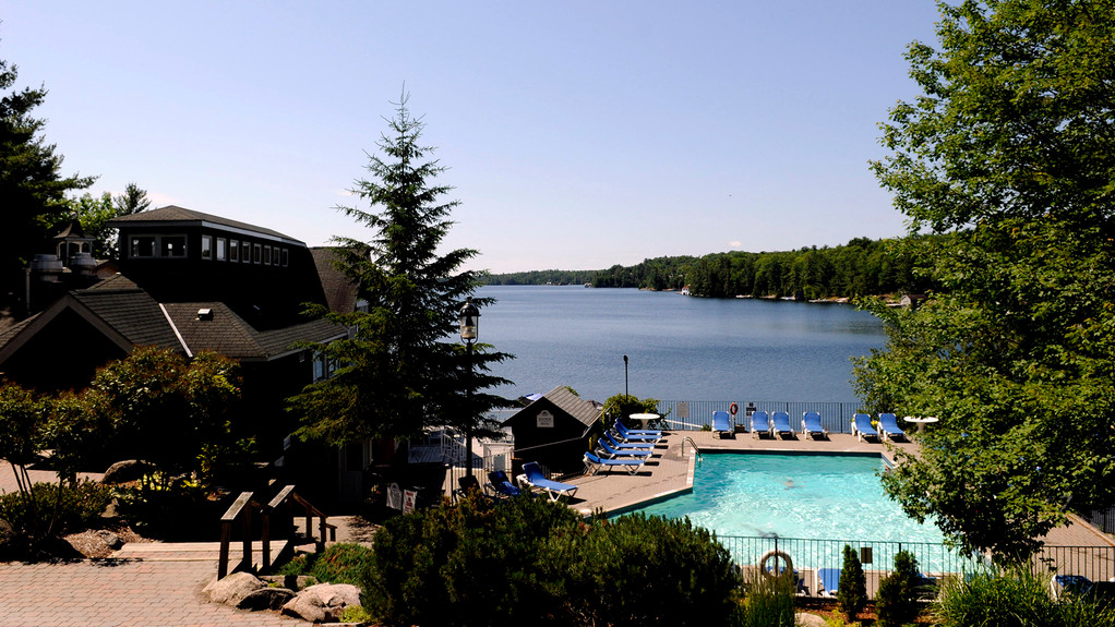 Lake Joseph Pool 3-lightbox-muskoka-reso