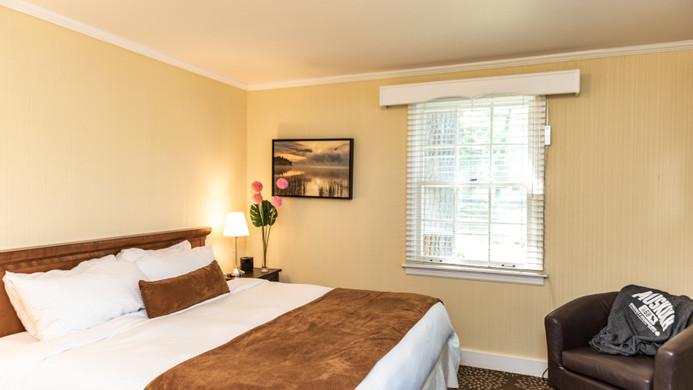 Robinwood Bedroom 900.jpg