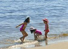 3-girls-beach-2010--300x201.jpg