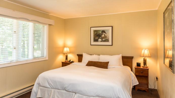 Pinewood West Bedroom 900.jpg
