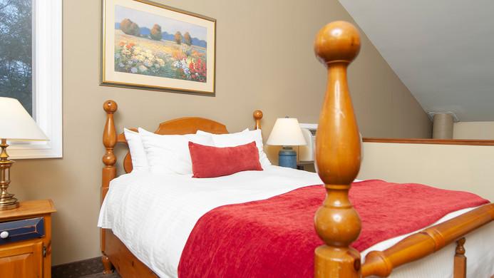 muskoka-resorts-2bed-loft.jpg