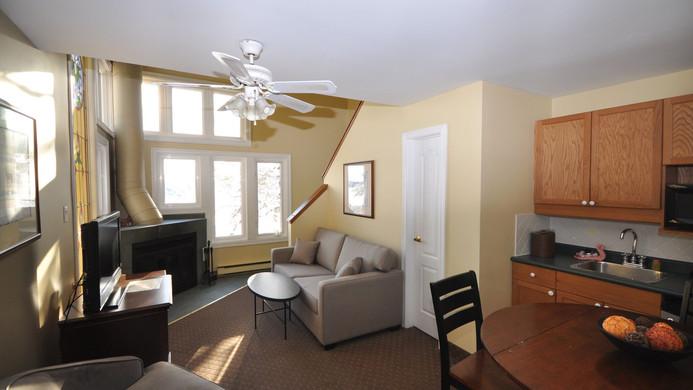 resorts-in-ontario-2bed-loft.jpg