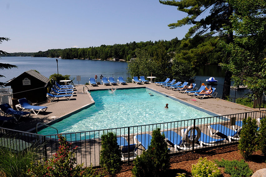 pool-family-resorts-in-ontario.JPG