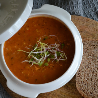Red lentil soup. Photo by @ecemese.