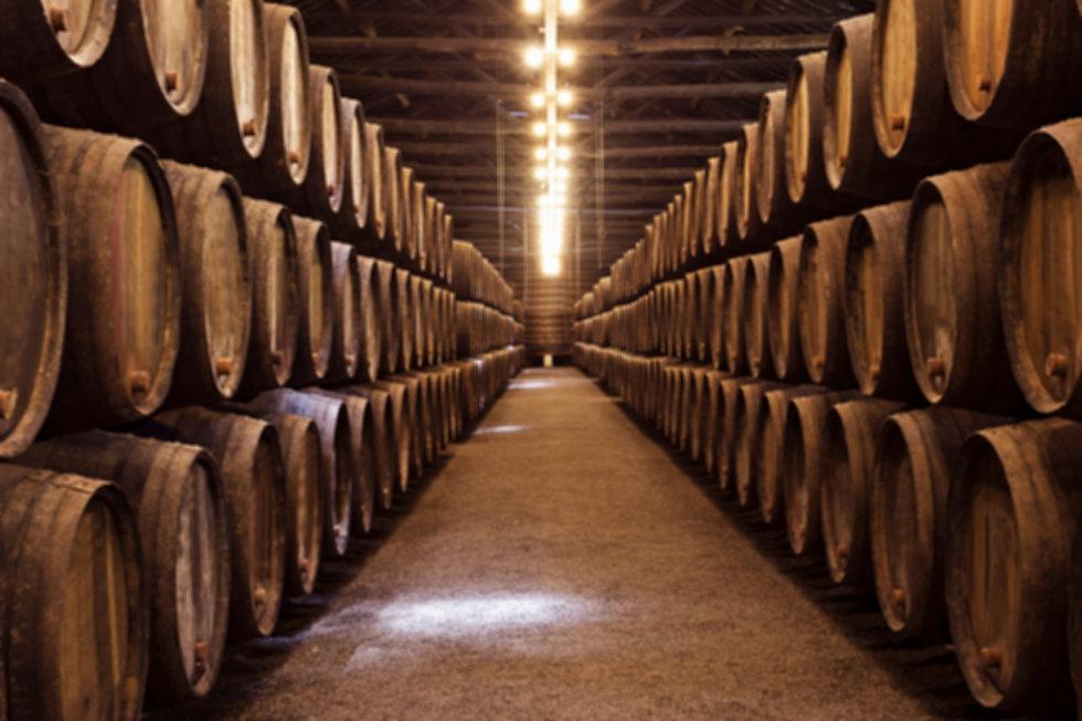 wine-cellar-porto%202_edited.jpg