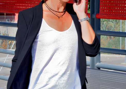 Ana_al_teléfono_10.jpg