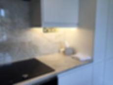 Gloss kitchen undercabinet lighting