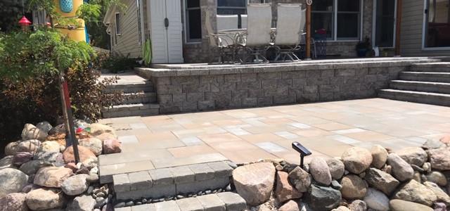 SandTfarsteps.wall.patio.JPG