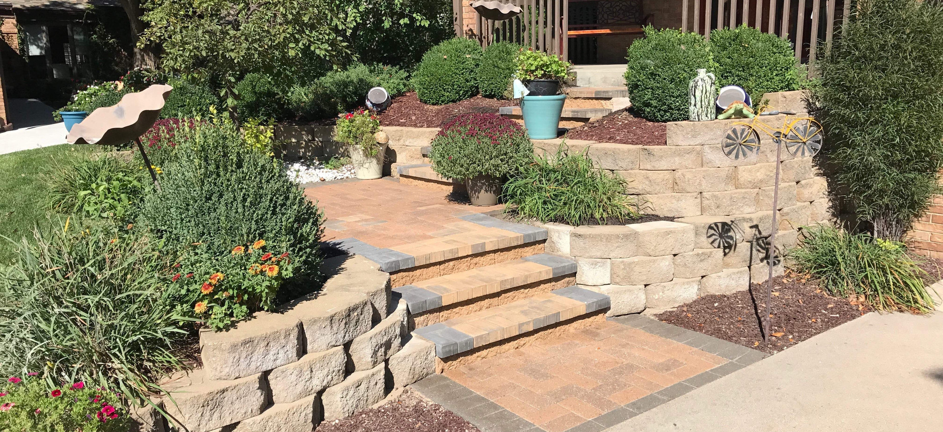 Small retaining wall with steps!