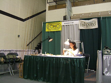 Dandy tying at the conclave in 2007.jpg